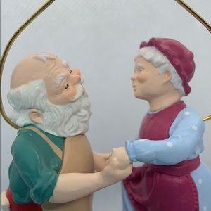 VNTG Hallmark Mr&Mrs Santa Shall We Dance 1988
